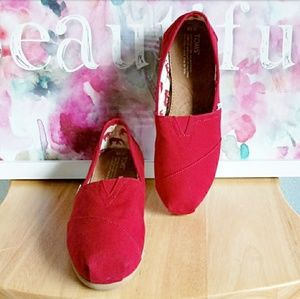 TOM'S | Red Canvas Slip on Loafers Sz.10